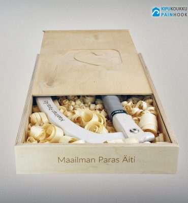 Kipukoukku Custom koukku ja puinen tuotelaatikko